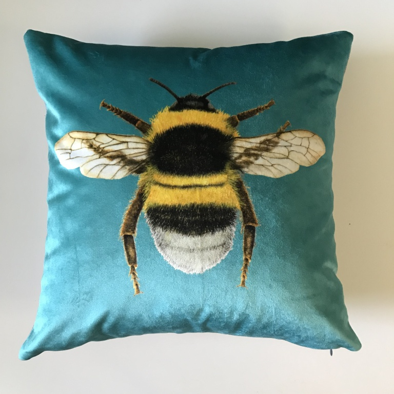 Bee_Cushion_Blue