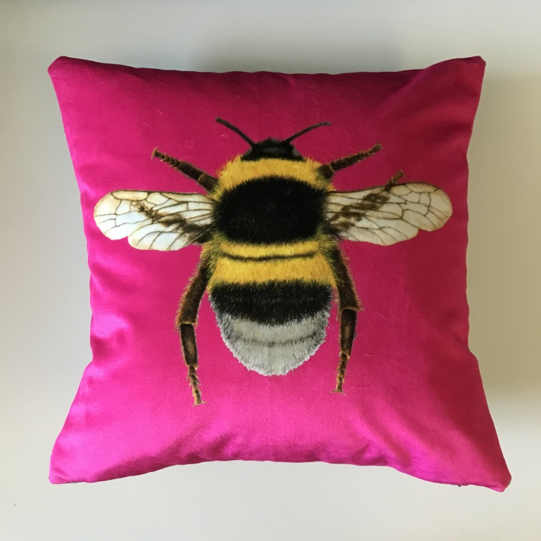 Bee_Cushion_Pink