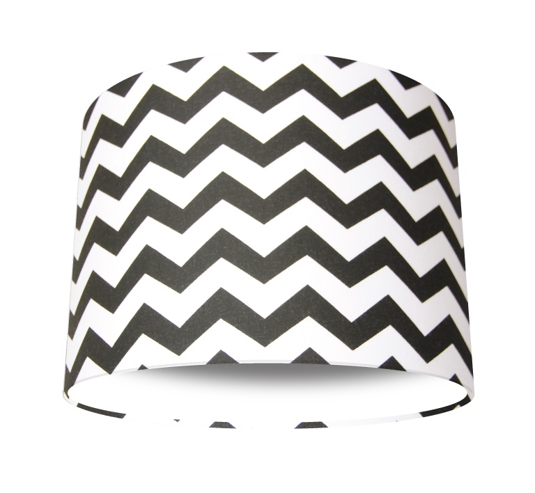Black_white_chevron_white