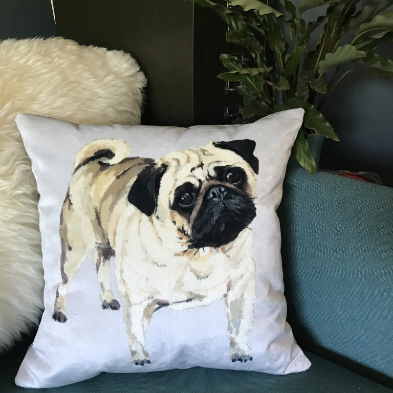Pug_Cushion_Lifestyle